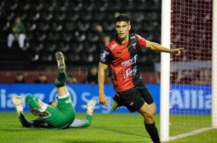 """Lavallén hizo fútbol y River, en Uruguay, fue """"humillado"""" - Nicolás Leguizamón será, casi con seguridad, el acompañante del Pulga en el 4-4-2 que dispondrá Lavallén para el martes."""