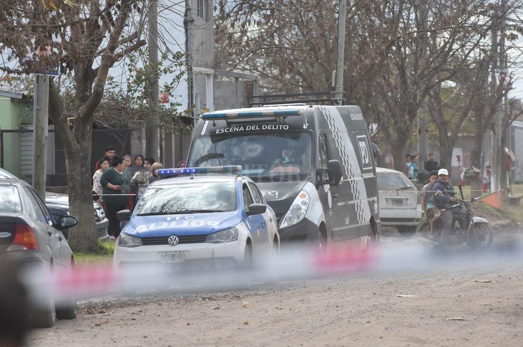 Un hombre asesinó a su ex mujer y su hija en B° Favaloro -  -