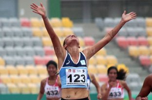 Argentina consiguió el oro en Lima - Florencia Borelli. La experimentada corredora marplatense consiguió la gloria en Lima al ganar los 5000 llanos, con récord nacional y clasificar a Doha. -