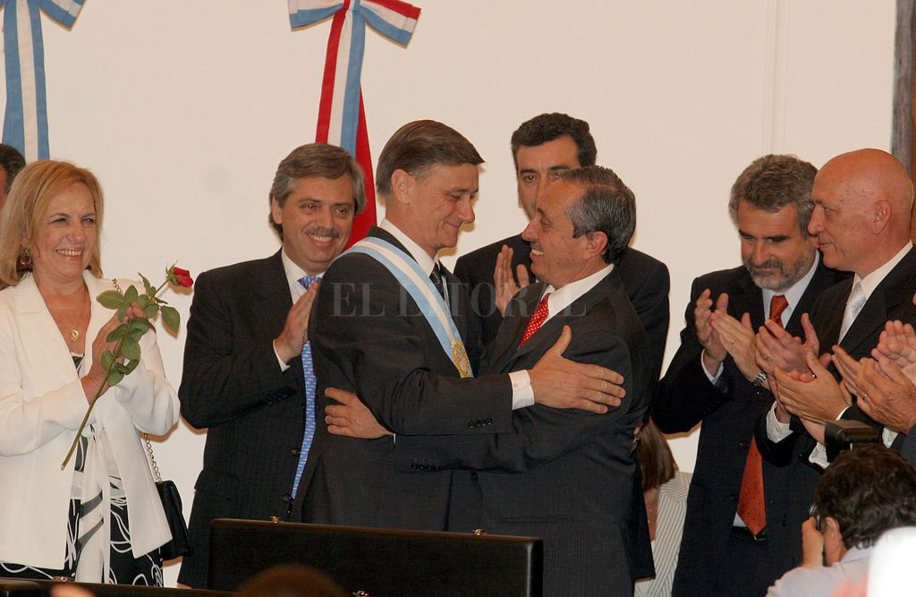 Diciembre de 2007. Alberto Fernández y Florencio Randazzo en la asunción del entonces gobernador Hermes Binner. Crédito: Archivo El Litoral
