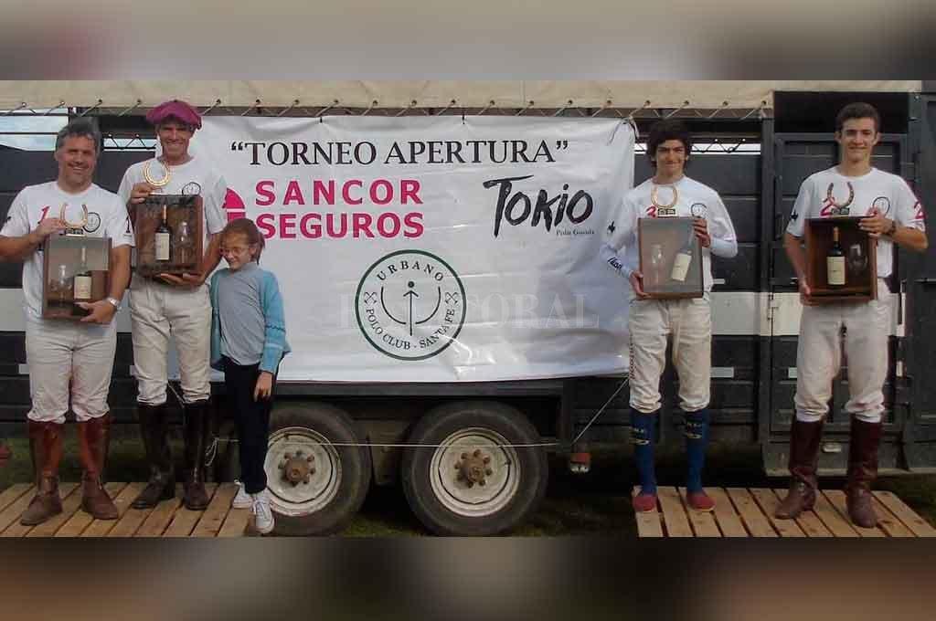 La Lucila se consagró campeón, tras prevalecer en los tres partidos que disputó en el certamen.  <strong>Foto:</strong> Gentileza.