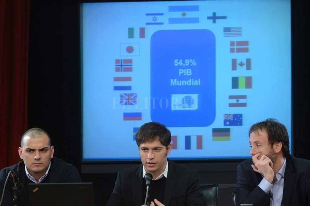 Hace cinco años, Axel Kicillof y sus colaboradores, Emmanuel Alvarez Agis y Pablo López, anunciaban el acuerdo alcanzado para la renegociación. <strong>Foto:</strong> Archivo El Litoral