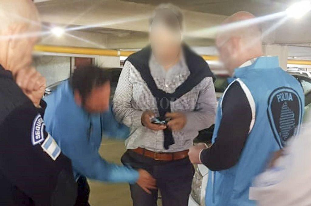 El pediatra al momento de ser detenido. <strong>Foto:</strong> Telam