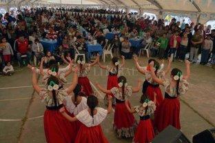 Sauce Viejo prepara un fin de semana a puro baile y pescado