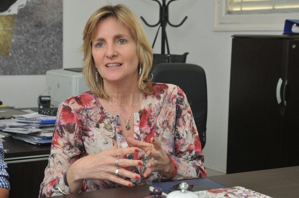 Andrea Valsagna, secretaria de Desarrollo Estratégico y Resiliencia del municipio, destacó el trabajo sostenido que viene haciendo el gobierno local para fortalecer el turismo de reuniones en la ciudad. <strong>Foto:</strong> Luis Cetraro