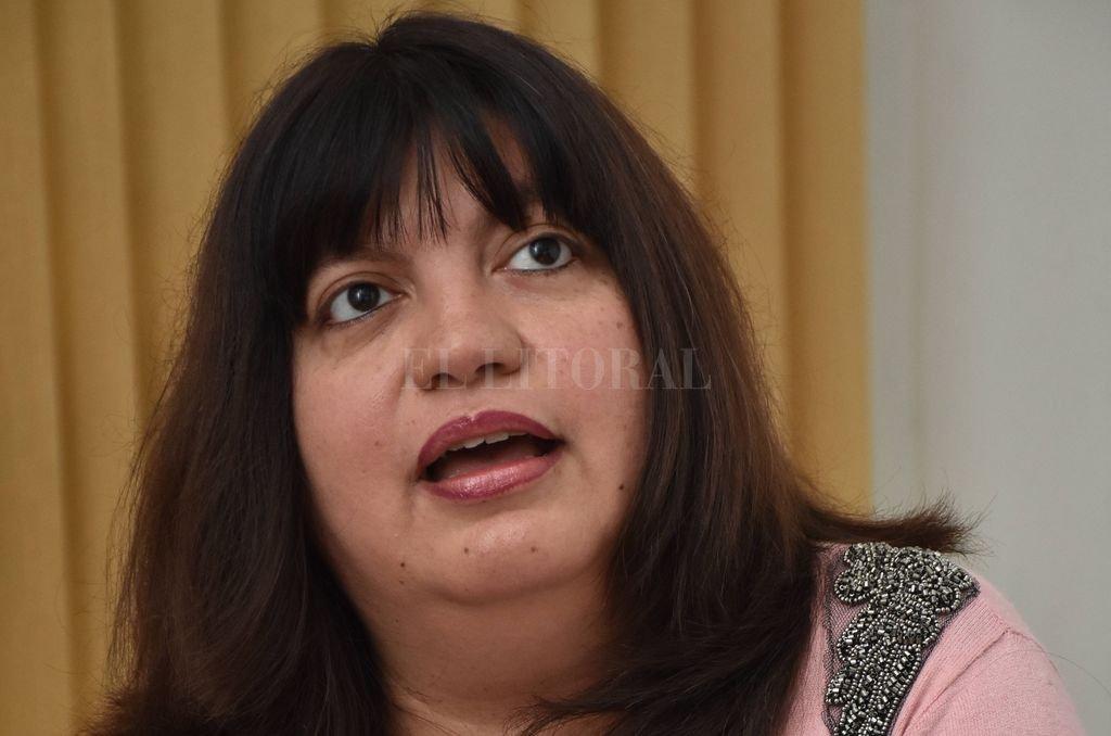 Viviana Córdoba, coordinadora del Área de Formación Profesional y Capacitación Laboral. <strong>Foto:</strong> Flavio Raina
