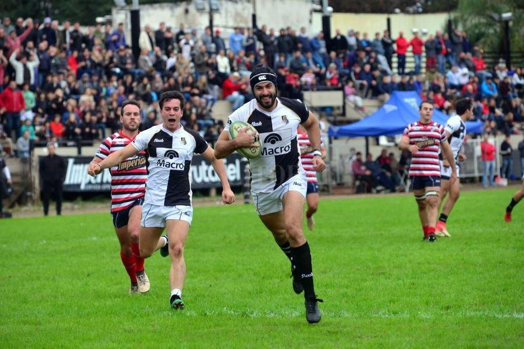 Estudiantes de Paraná logró un triunfo imprescindible ante Santa Fe Rugby Club, tras un intenso y entretenido desarrollo. <strong>Foto:</strong> Gentileza El Diario de Paraná