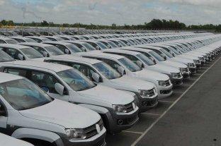 La venta de autos cayó 32,2% en febrero y en el año se patentarían menos de 370.000 unidades