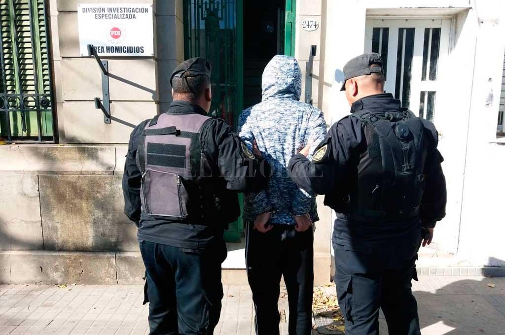 El detenido tiene 29 años y fue atrapado por personal del Cuerpo Guardia de Infantería en el mismo Fonavi de barrio San Jerónimo. Crédito: El Litoral