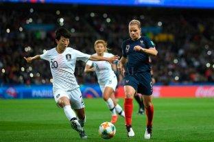 Francia derrotó a Corea del Sur en el partido inaugural