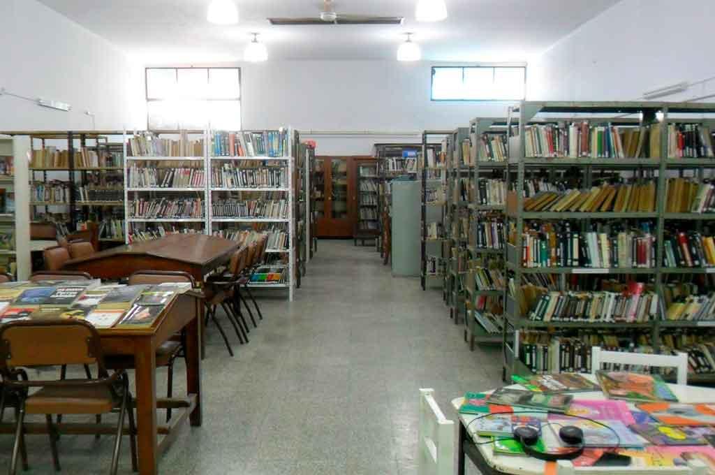 Histórica. La biblioteca Rivadavia cuenta con más de 70 años de vida en la ciudad de Santo Tomé. <strong>Foto:</strong> Gentileza Leandro Forti - Biblioteca Municipal Bernardino Rivadavia