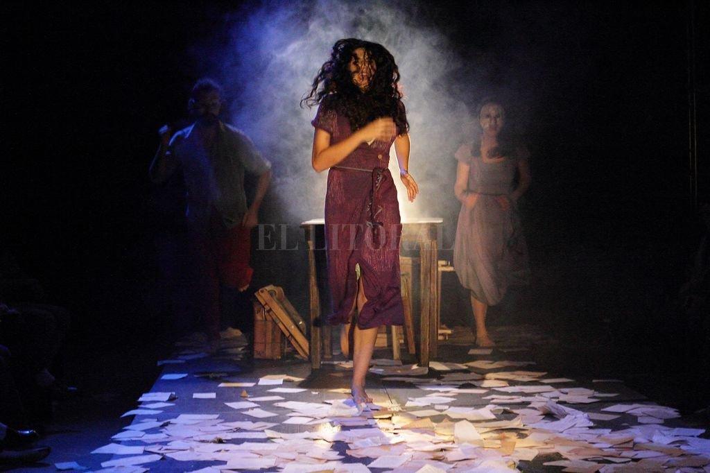 La obra descubre a una mujer que lucha contra su pasado y su destino trágico.  <strong>Foto:</strong> Gentileza Julián Villarraza