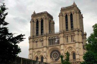 La catedral de Notre Dame no celebra la misa de navidad por primera vez en 226 años