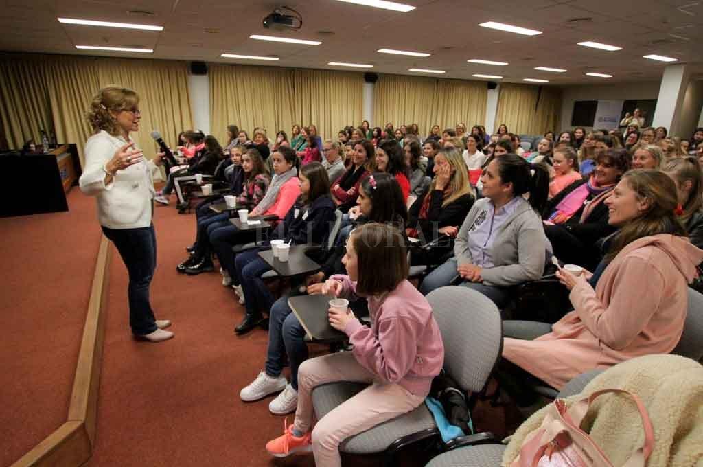 A sala llena. En 2018, la charla taller fue bien recibida por el público. <strong>Foto:</strong> Pablo Aguirre