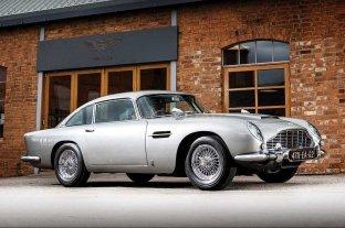 """Subastarán el Aston Martin de James Bond en """"Goldfinger"""" con todos sus gadgets"""