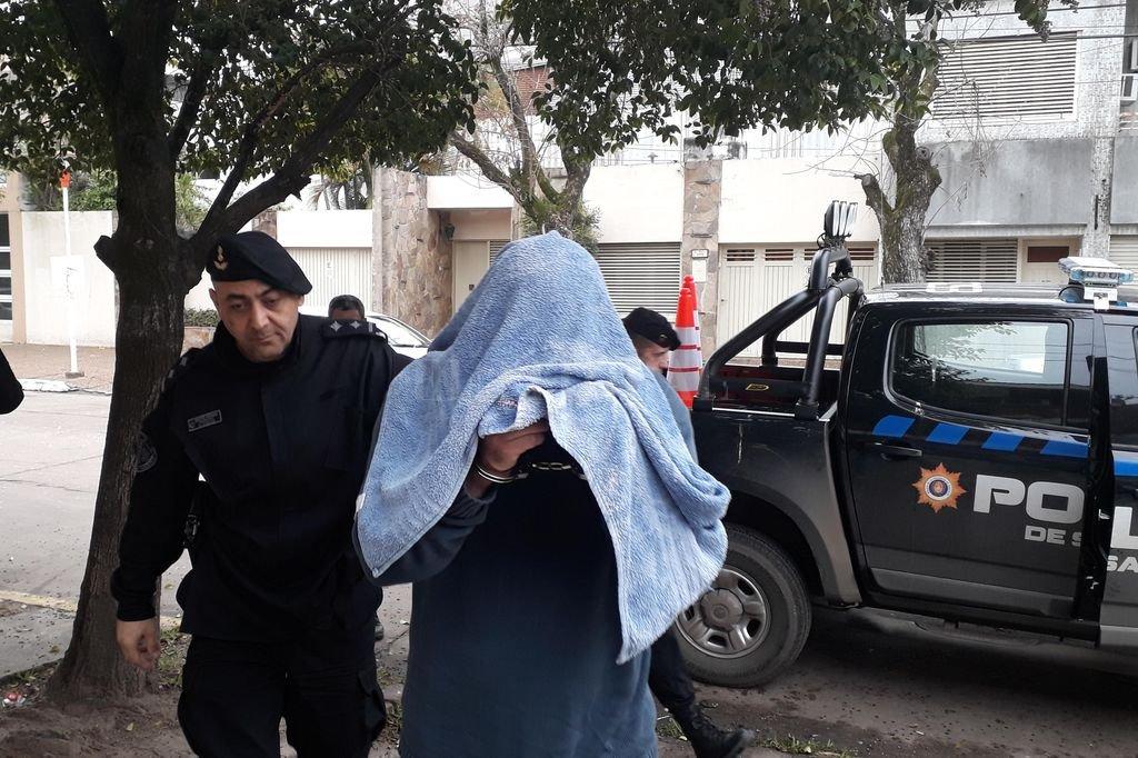 Quedó en prisión el comisario que abusó de una amiga de su hija