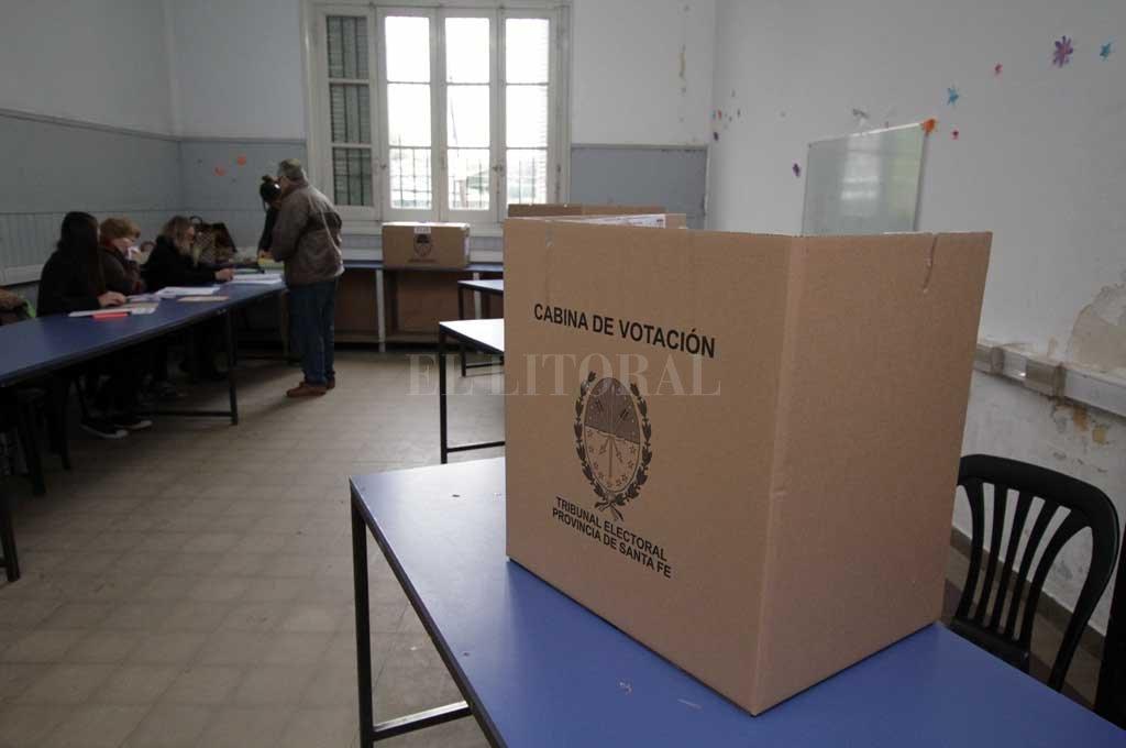 Cerraron las elecciones en Santa Fe: los primeros resultados se conocerán a la noche -  -