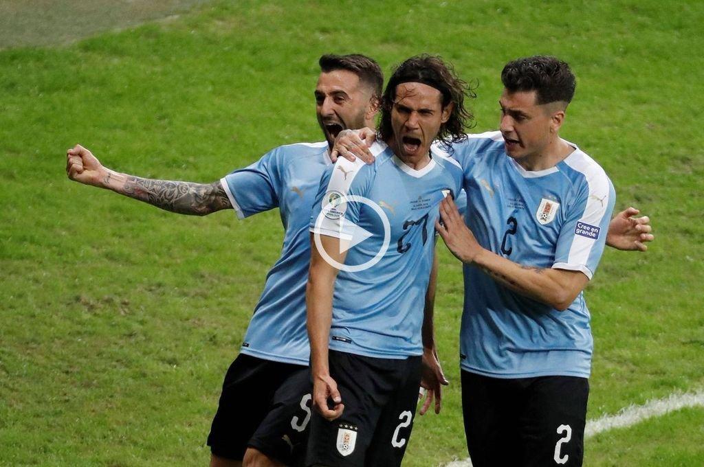 Uruguay goleó a Ecuador en su debut en la Copa América