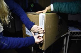 21 fotos que marcaron el pulso de las elecciones en Santa Fe -  -