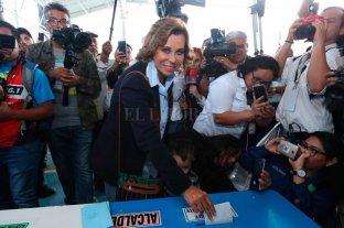 Tras denuncias de fraude, Guatemala va a segunda vuelta
