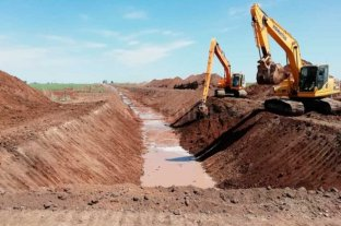 Invierten 28 millones de pesos en la Cuenca Canal Principal San Eugenio - Realizados los análisis hidráulico e hidrológico para dicha sección de paso, se estableció la necesidad de readecuar la sección hidráulica a las nuevas condiciones. -