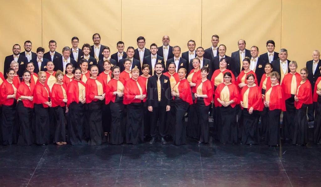 Bajo la conducción de Rodrigo Naffa, el Coro Polifónico de La Merced se integrará con otros artistas para ofrecer un espectáculo consagrado a una de las bandas británicas más famosas de la historia. Crédito: Gentileza Coro Polifónico de la Merced