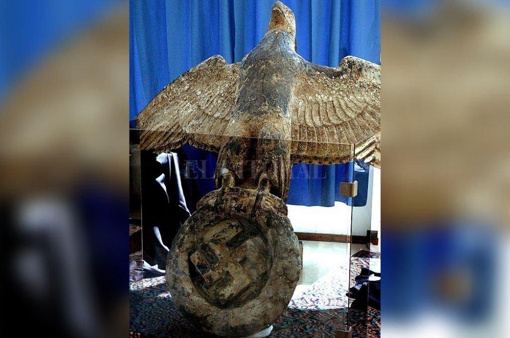 La Justicia ordenó que Uruguay venda el águila con la esvástica que estaba en el Graf Spee