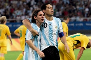 Messi y Riquelme: Hoy se celebra el cumple de los 10 -  -