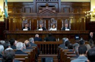 """Empresarios a la Corte contra los municipios - El 6 de junio los jueces de la Corte escucharon la exposición de la partes en audiencia. También lo hicieron los """"amigos del tribunal"""", entre ellos la UIA. -"""