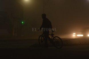 Intensa neblina sobre Santa Fe  -  -