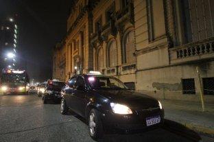 Taxistas y remiseros autoconvocados reclamaron por mayor seguridad  -  -