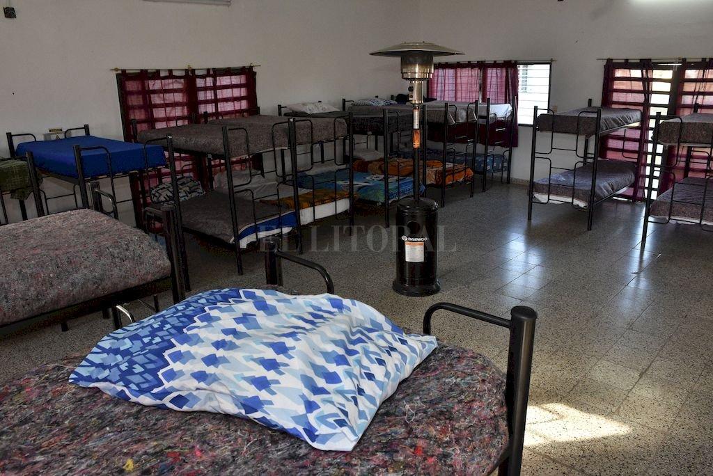 Refugio. Con 26 plazas funciona, a diario, el parador en el Centro Integrador Comunitario Roca. <strong>Foto:</strong> Guillermo Di Salvatore