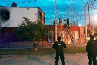 Guadalupe Oeste: vecina resultó con lesiones tras el incendio de su casa -  -