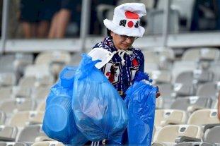 Gran gesto: Japón quedó eliminado de la Copa América pero sus hinchas limpiaron el estadio -  -