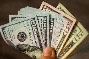 El dólar se disparó 56 centavos -  -