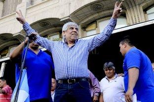 Camioneros logró un aumento salarial del 23% hasta diciembre - Hugo Moyano. -