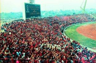 Día del Hincha de Colón: Las 5 movilizaciones más grandes del Sabalero - Aquel 26 de junio de 1993 Colón se jugaba la posibilidad de ascender frente a Banfield -