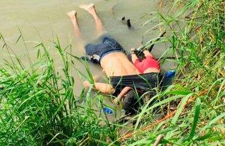 La foto que conmueve al mundo: Padre e hija mueren ahogados intentando migrar a EEUU -  -