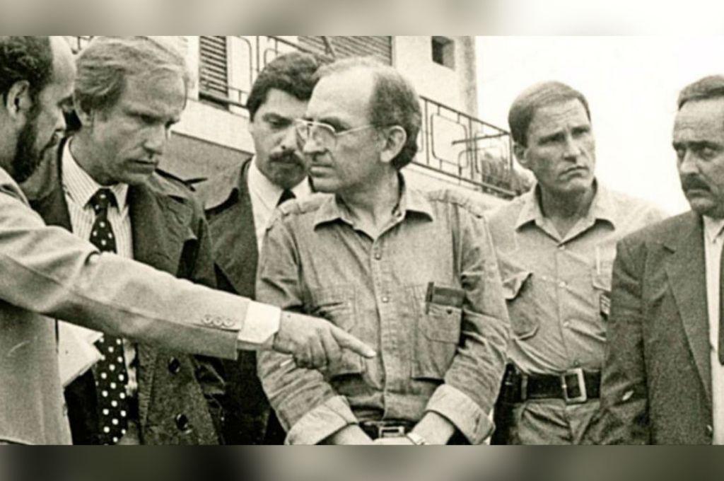La historia detrás de la foto de Alberto Fernández con un socio del clan Puccio