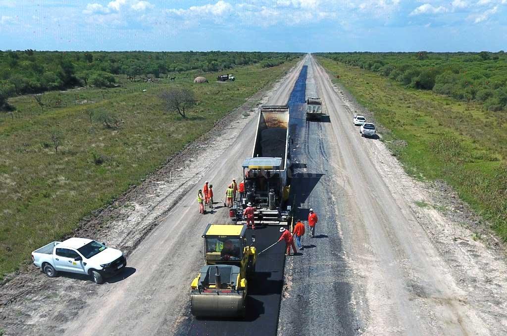Plan del Norte: la provincia continúa con la pavimentación de la Ruta 3