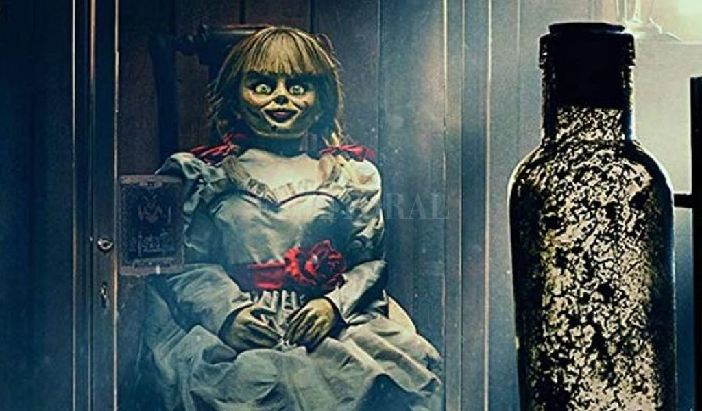Judy, la hija de los Warren, invita a sus amigas a dormir a casa; una de ellas decide no hacer caso a las reglas de la casa y entra en la habitación donde guardan a Annabelle. <strong>Foto:</strong> Gentileza Warner Bros.
