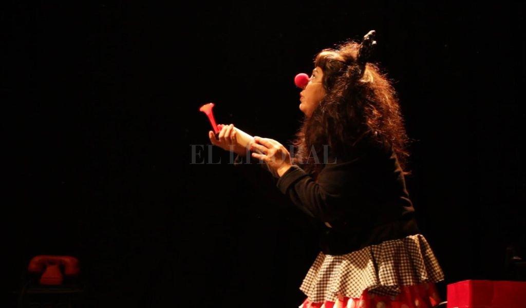 La obra teatral del grupo Las Mandadas se presenta este viernes en la sede de UPCN (Rivadavia y Tucumán).  <strong>Foto:</strong> Gentileza producción