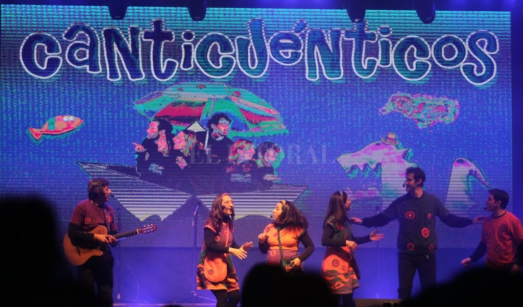 El grupo durante su presentación en el Rectorado de la UNL, en octubre pasado. Pablo Aguirre