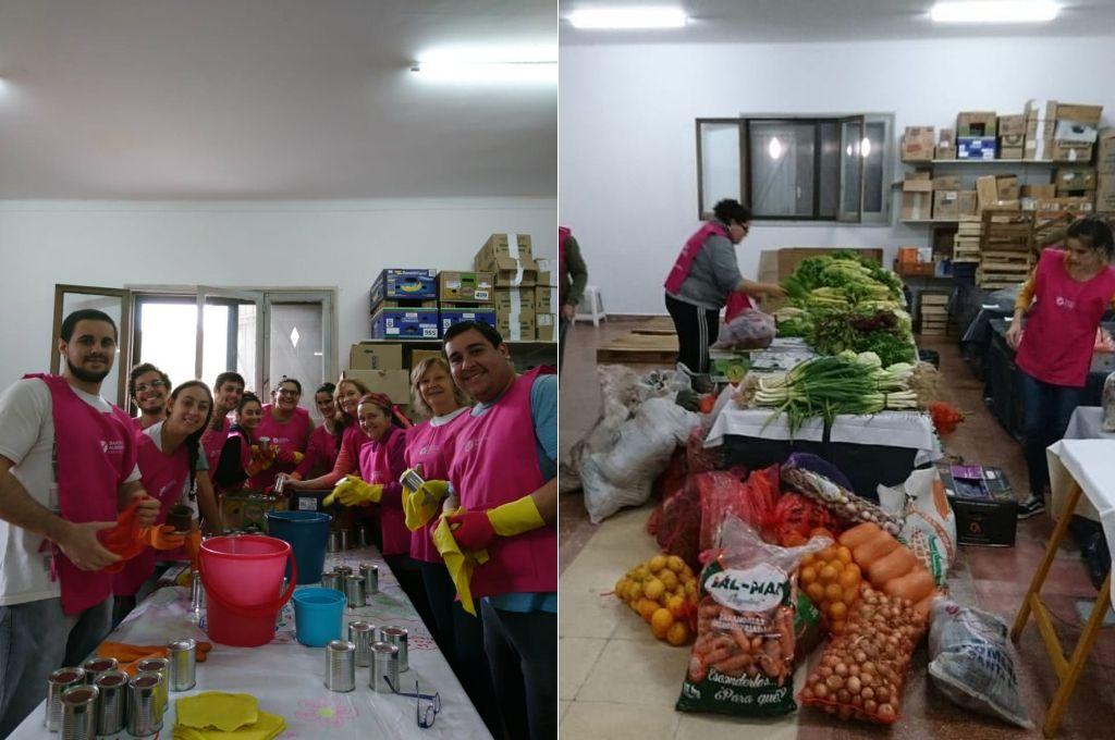 Voluntarios. Más de 20 personas aportan sus manos solidarias para que el Banco de Alimentos Santa Fe continúe con su misión.  Crédito: Gentileza Basfe