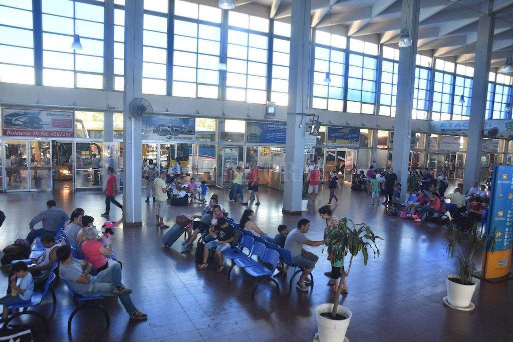 La terminal de ómnibus, el punto de partido de muchos viajes que harán los santafesinos. Crédito: Archivo El Litoral