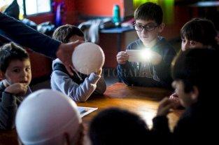 Los niños observadores del espacio del Sargentito, el club recuperado
