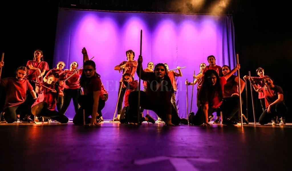 El espectáculo contendrá coreografías de diferentes estilos, que engloban distintos niveles. Aquí, un espectáculo realizado por bailarines de la academia en temporadas anteriores. Crédito: Gentileza We Love Dancing