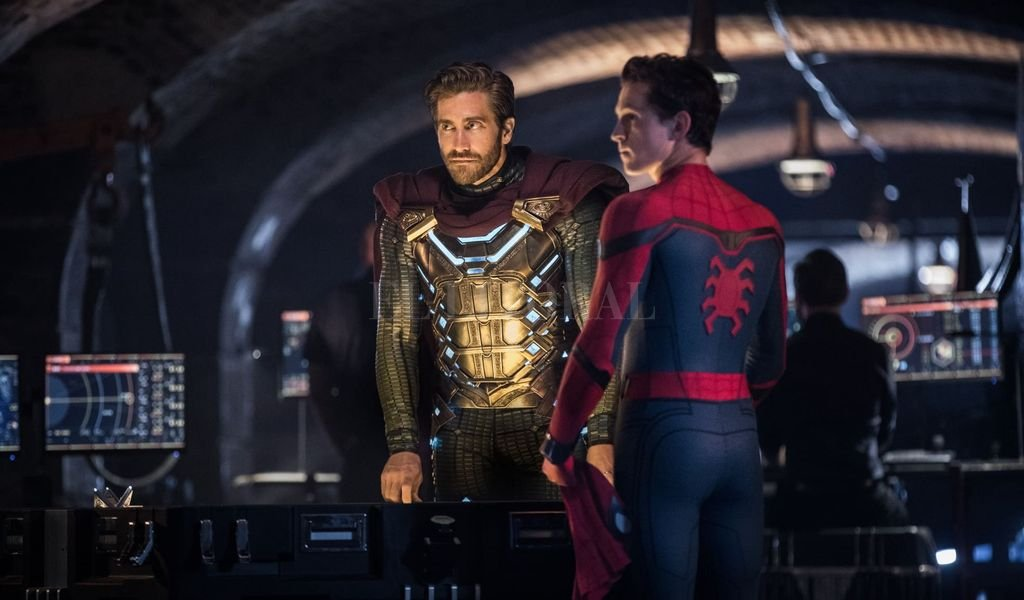 Peter Parker (Tom Holland) y Mysterio (Jake Gyllenhaal) tendrán que enfrentar la amenaza del Buitre. <strong>Foto:</strong> Gentileza Columbia Pictures / Marvel Studios