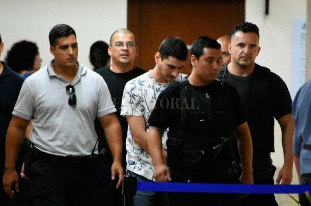 Dos encapuchados y dos a cara descubierta, ingresaron a la celda N° 27 donde se encontraba Segovia (foto) para degollarlo. <strong>Foto:</strong> Archivo El Litoral