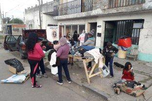 Convierten un depósito en refugio para que los indigentes duerman bajo techo